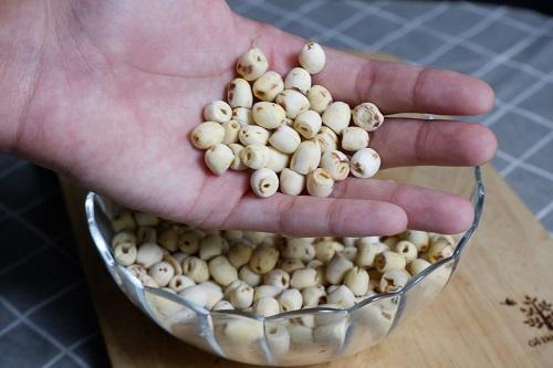 hạt sen khô đóng gói