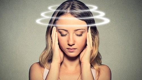 đau đầu chóng mặt nên ăn gì để giảm nhẹ triệu chứng