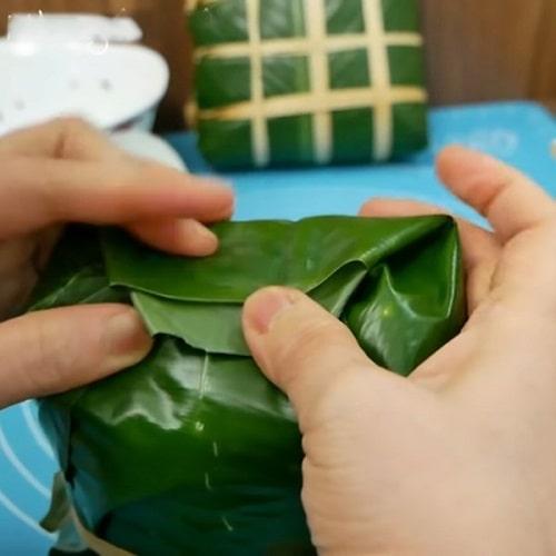 cách gói bánh chưng nếp cẩm không cần khuôn