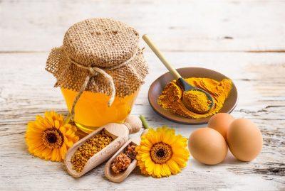 mật nạ mật ong nghệ và trứng gà