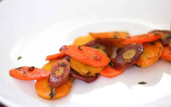 Cà rốt xào lá thyme