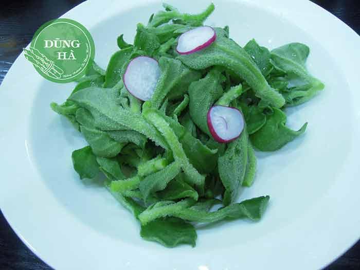Salad rau bông tuyết củ cải đỏ